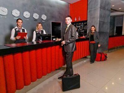 Холл отеля Москва